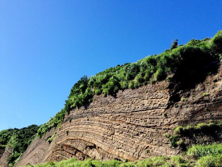 千波の地層大切断面 伊豆大島