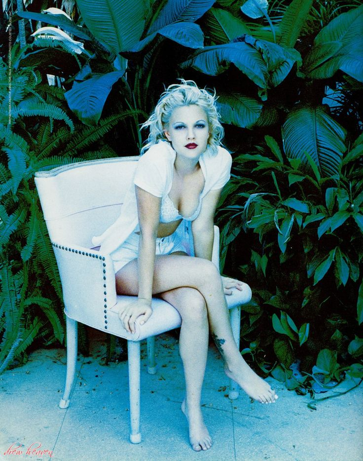 Drew Barrymore Sexy Celebrity Legs Picture | Zeman Celebrity Legs | 00007