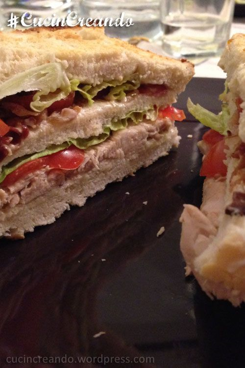 CLUB SANDWICH DI POLLO BOLLITO