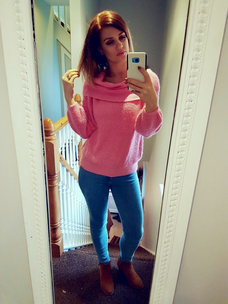 pink jumper @Primark  jeans @Stradivarius  boots @Primark perfect causal out fit