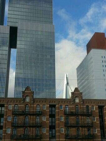 Rotterdam old and new together.