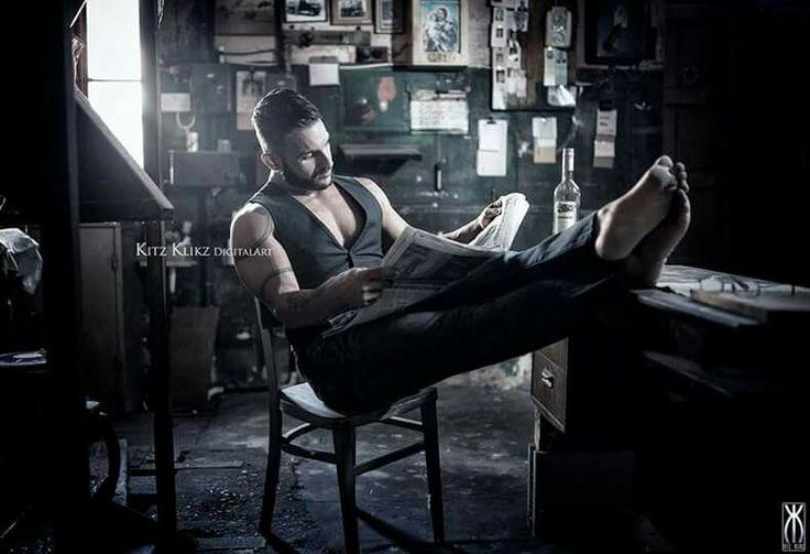 #kitzklikz #malta #photography #keithdarmanin #fashion #fashionista  #book #boy #abs #light #cool #tattoos #office