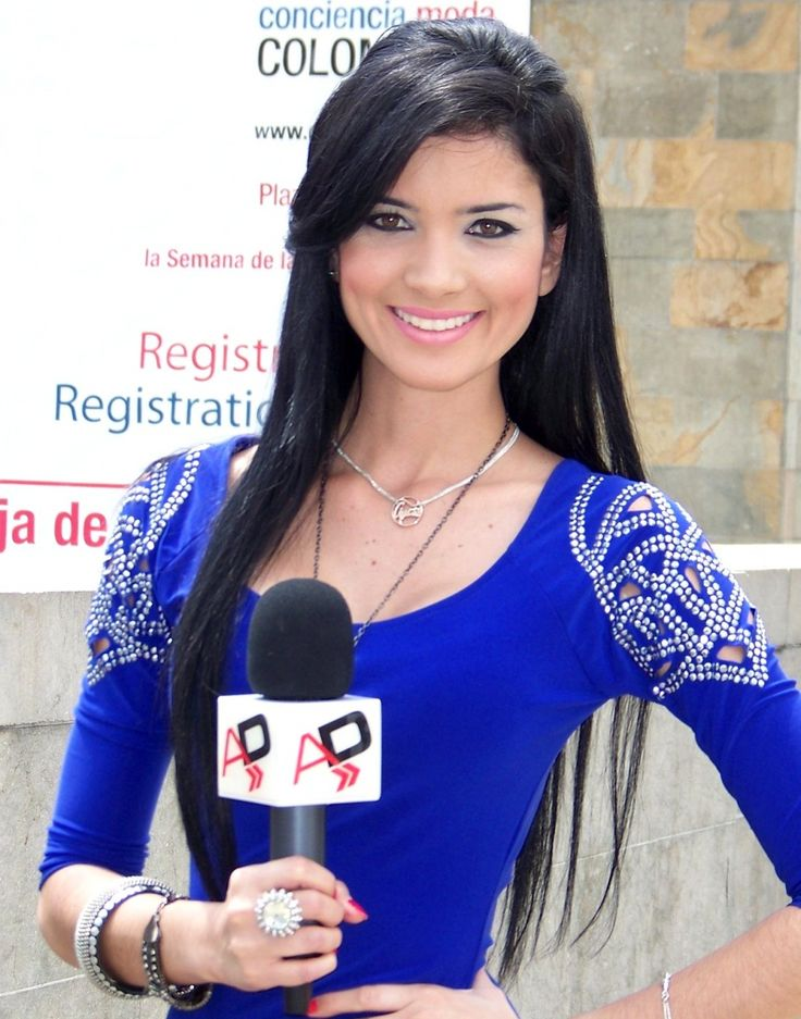 Personas - Colombiamoda - Periodista - Medellín,Fotos de Medellín | Galería de fotos de Medellín y Colombia |  Periodista Colombiamoda Lugar : Medellín - Colombiamoda - 2009 Colombiamoda, un evento que congrega a todos los medios nacionales e internacionales, que buscan, promueven y comunican, los aspectos y cambios sociales, a partir de la moda. C