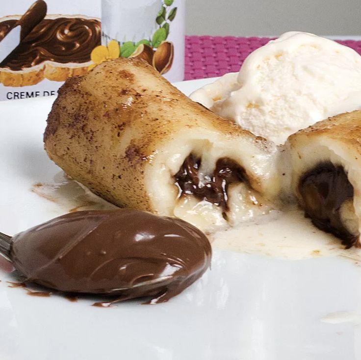 Faça uma sobremesa rápida de banana quente com nutella e sorvete, deliciosa e fácil de fazer