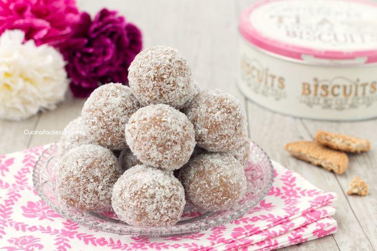 I tartufini mascarpone e Nutella sono dei dolcetti freddi senza cottura che si preparano in 5 minuti e con soli 4 ingredienti, favolosi!