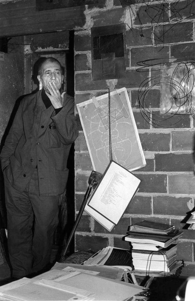 Fernando Melani nella sua Casa Studio.