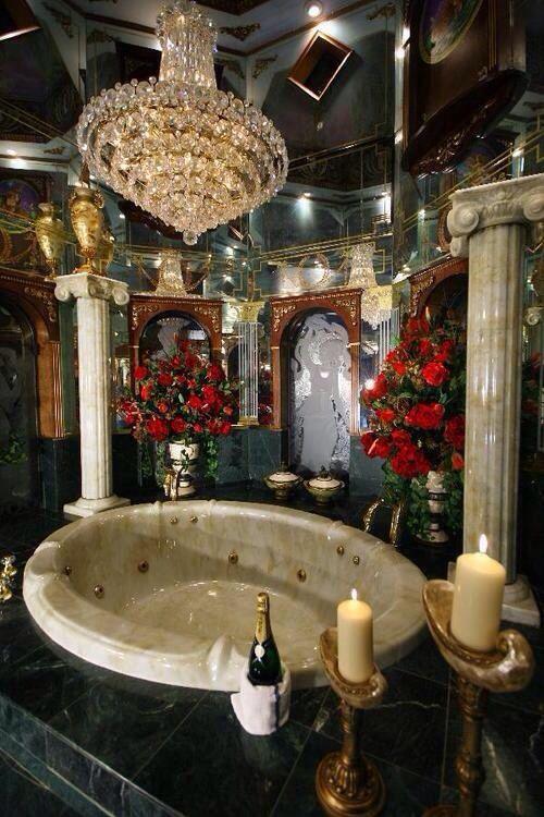 127 best bubble baths images on pinterest bubble baths for Romantic master bathroom