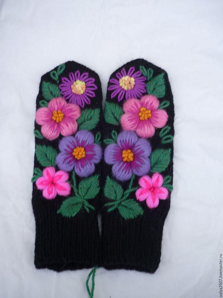 Купить варежки с ручной вышивкой 06 - сиреневый, цветочный, варежки, варежки ручной работы