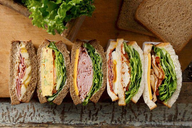 スターバックスのサンドイッチが一新、ボリューム満点の5種が新登場   ニュース - ファッションプレス