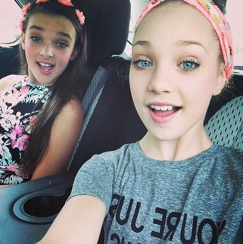 Maddie Ziegler and Kendall vertes! Love them both so much