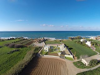 Brand+New+Sea+front+high+quality+Villas+with+Private+Beach+Facilities++++-+Villa+ThoiHoliday Rental in Rethymnon area from @HomeAwayUK #holiday #rental #travel #homeaway