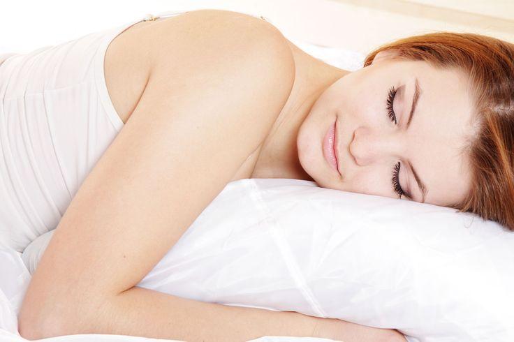 En god nats søvn er essentielt for din sundhed, og søvnløshed er derfor ikke blot irriterende, men decideret skadende for dig. Slip af med de lange, vågne nætter ved at bruge dette lille smarte trick!