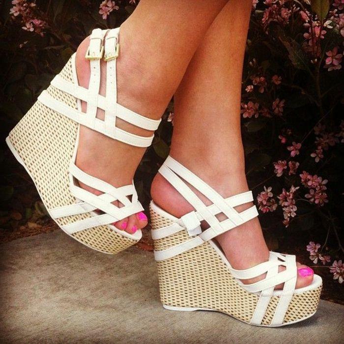 chaussures compensées, sandales avec talons compensés