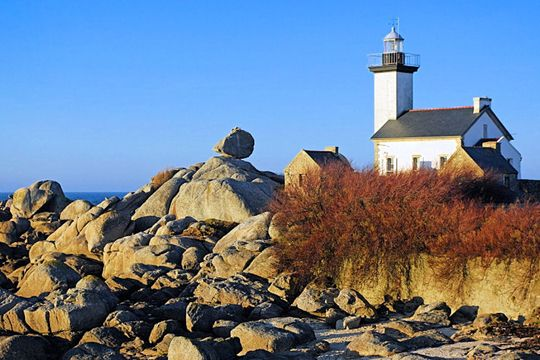 Brignogan-Plages is a small seaside resort on la côte des Légendes (the coast of Legends), northwest of Finistère, Bretagne. You can see granite rocks of all shapes & sizes along the entire coastline.