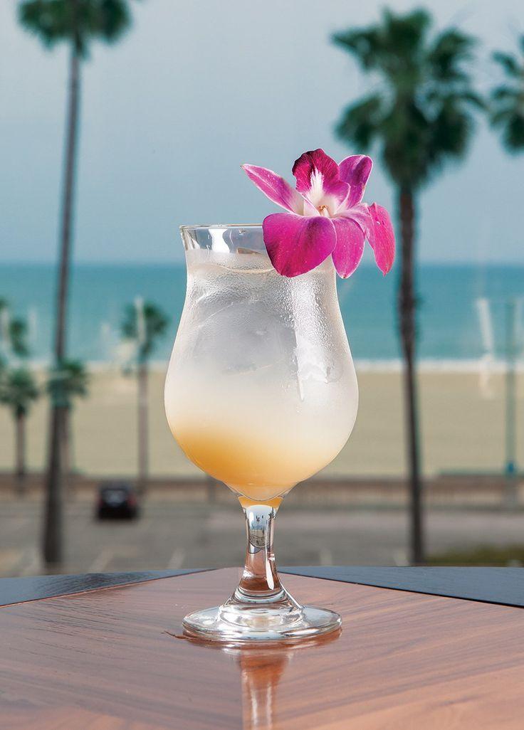 Beeyonce's Lemonade   Honey, lemon, lavender   Bluegold dining review   Orange Coast Magazine   May 2017   Photo by Priscilla Iezzi