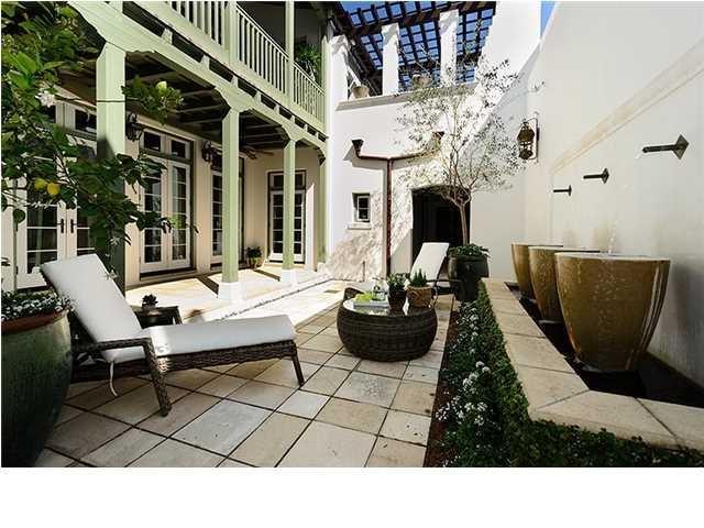 Alys beach courtyard