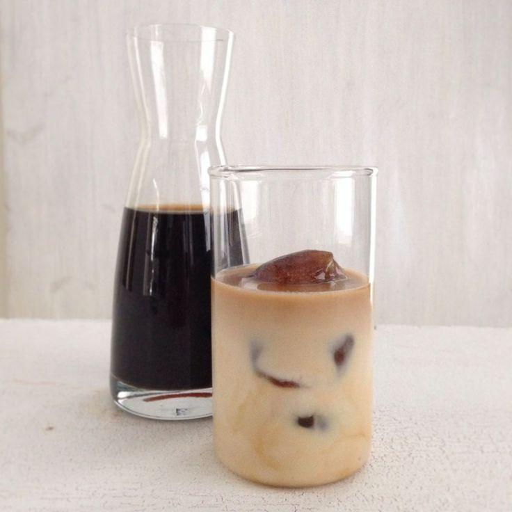 Maailman paras jääkahvi tarvitsee kaksi erikoisainesta: kylmäuutettua kahvia ja kahvijääpaloja. Tai oikeastaan erikoisaineksia on vain yksi, sillä...