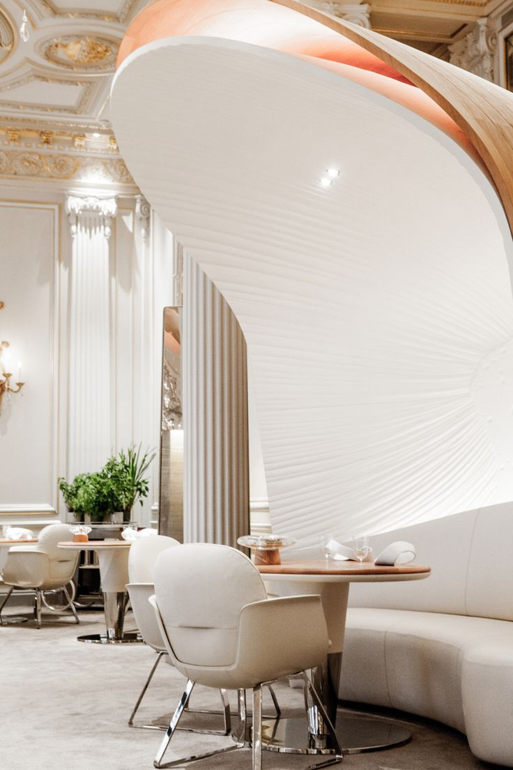 Plaza Athénée Paris Hotel | Hotel Interior Designs http://hotelinteriordesigns.eu/plaza-athenee-hotel-amazing-reopening/ #best #luxury #hotel #interior #design