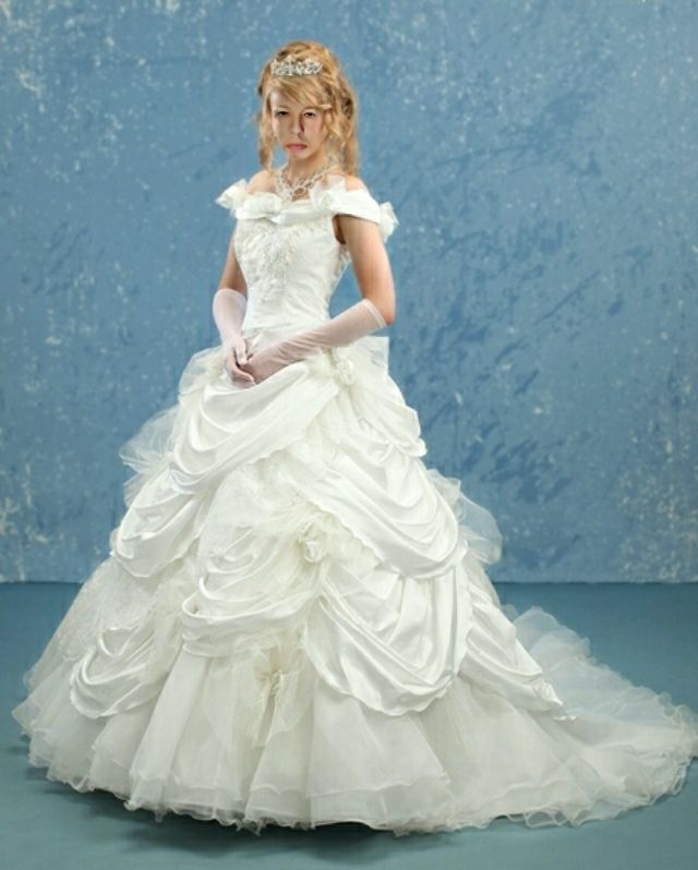 28 best Sissy Brautkleider images on Pinterest   Wedding frocks ...