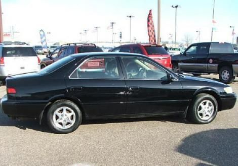 ONLY $2,995  Used Toyota Camry LE For Sale  For sale in Forest Lake, Minnesota, MN, 55025 by dealer