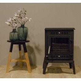 De #Woodfire Parijs is een vrijstaande gietijzeren #houtkachel. #Fireplace #Kampen #Terrashaard #Fireplaces