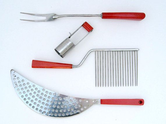 Hang This Vintage Kitchen Utensils Set In Your Kitchen As Funky Red Accents!