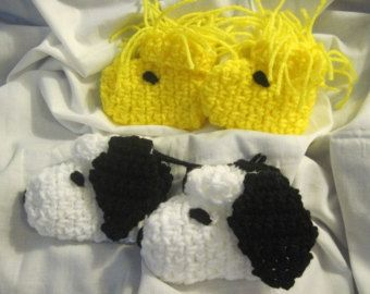 snoopy baby booties crochet pattern | ... Snoopy a nd Woodstock) Crocheted Character Baby Booties, slippers 12mo