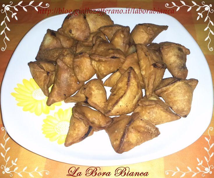 Samosa di verdure (ravioli fritti di verdure)