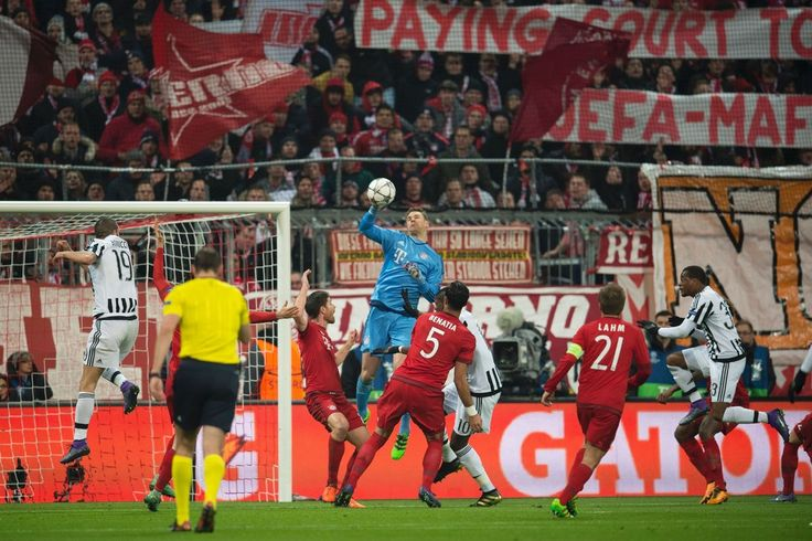 Bayern Munich's goalkeeper Manuel Neuer makes a save during the UEFA Champions League, Round of 16, second leg football match FC Bayern Munich v Juventus in Munich, southern Germany on March 16, 2016.