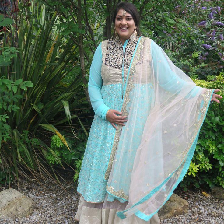 Creep game strong... Even when I'm dressed like the Punjabi Elsa #LetItGo ����✨ • • • #snaparetto #amarettosworld #thenextcHApter #harpzwedding #harpzwedsamrit2017 #mybestfriendswedding #sikh #punjabi #wedding #sari #indianfashion #asianfashion #jacketdress #anarkali #anarkalisuit #tika #bindi #weddingattire #crepgamestrong #trainers #reebok #reebokclassics #frozen #elsa #disney #princess http://misstagram.com/ipost/1569453458419801357/?code=BXH0Zront0N
