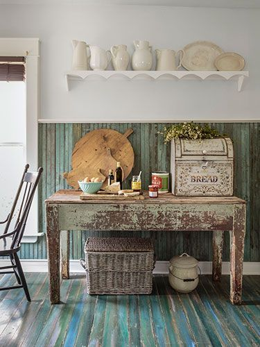 When Cathy Collins finally got her hands on this neglected Arkansas home, she created an inspired 19th century-inspired retreat.