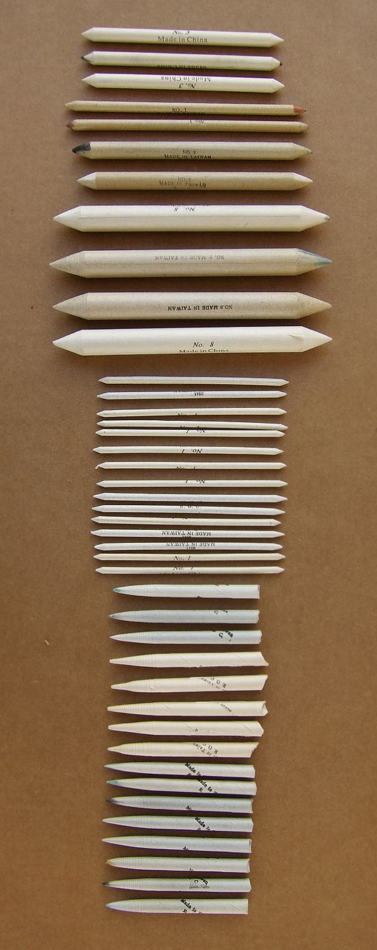 This is a great set of blending stumps and tortillions. Both are used to smudge and blend away pencil marks.