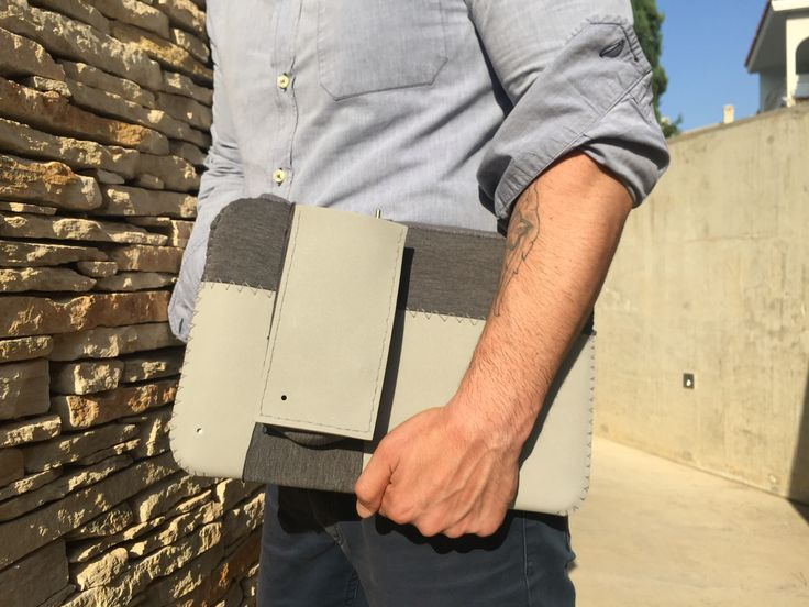 simplified version of carrying  your #MacBook #everyday with you.  this.sleeve is accompanied by a removable charger pocket. #thisisit #nozipper #nobackpack.   #summeraccessories #rubberfoam #scuba #mensfashion #menswear #thisisit #thisisitgram #thisisitdaily