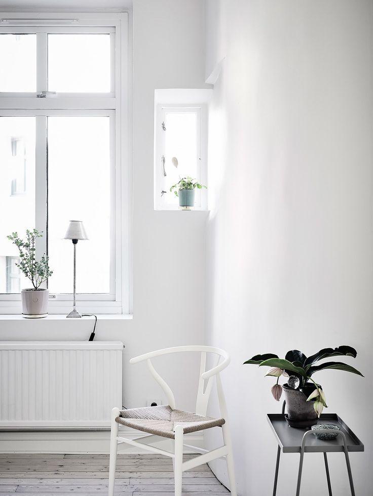 White and soft grey - via cocolapinedesign.com