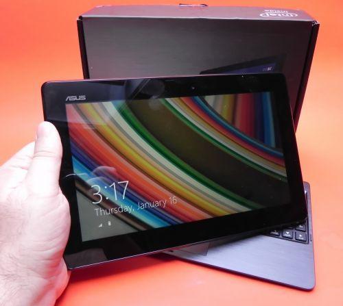 ASUS Transformer Book T100TA unboxing: primul device Windows 8.1 în teste la Mobilissimo.ro (Video) http://mbls.ro/1iqKIzq