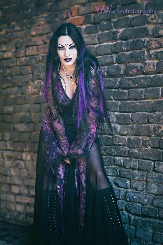 Gothic ♣️ Beauty 》 DanaMichele