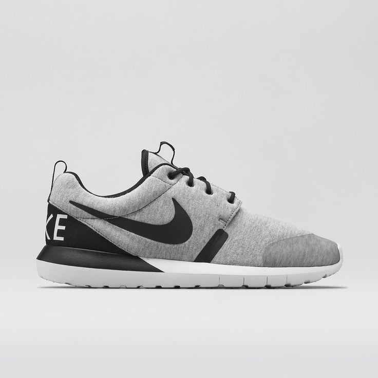 Nike Roshe Run NM W Men's Shoe. Price $125 size 9.5 Release 12/18