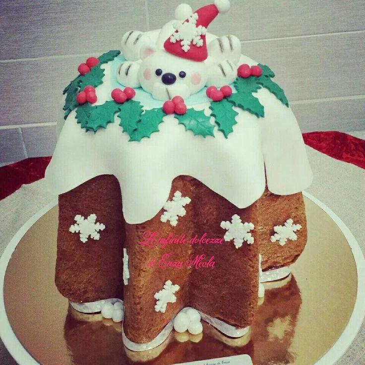 Pandoro natalizio decorato orsetto polare