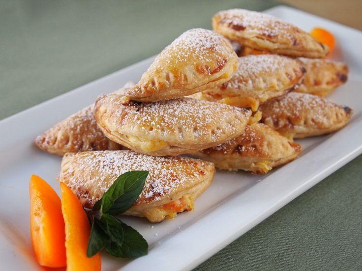 Apricot and cream cheese empanadas // Peru Delights