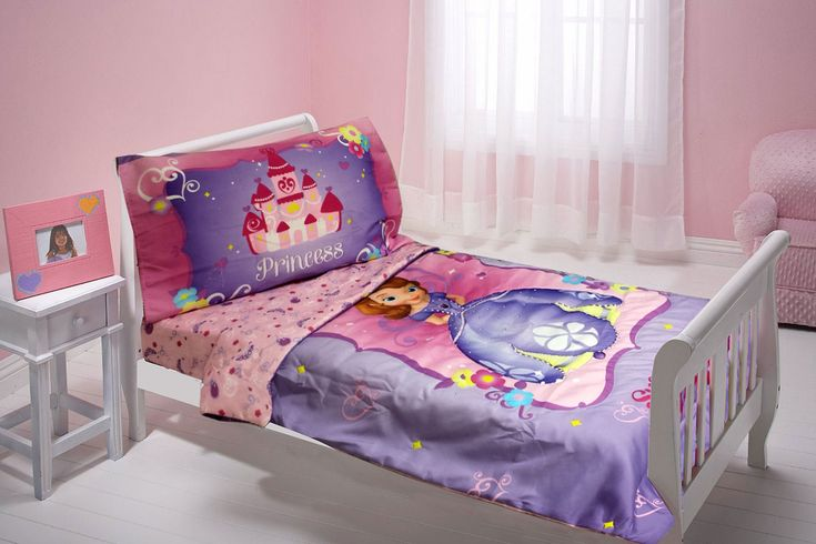 55+ Disney toddler Bedding for Girls - organizing Ideas for Bedrooms Check more at http://davidhyounglaw.com/20-disney-toddler-bedding-for-girls-wall-art-ideas-for-bedroom/