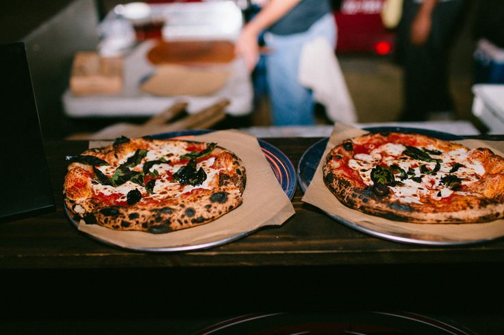 Personal pizzas - 24 Unconventional Wedding Foods Your Guests Will Obsess Over
