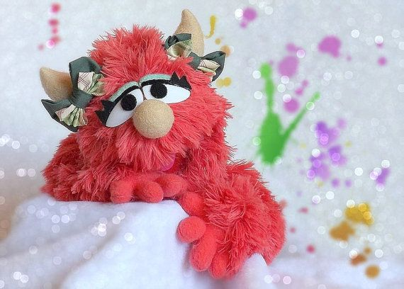 Professional Puppet Girl Monster - Martha - Mini Monsters - Handmade Muppet-Style Hand and Rod Puppet - Puppeteers Ventriloquist - Faux Fur