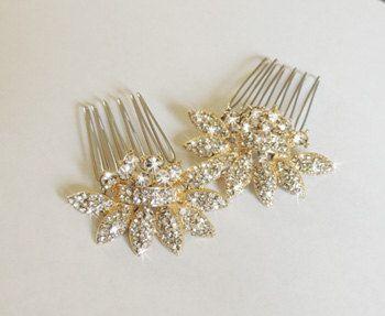 Hoi! Ik heb een geweldige listing gevonden op Etsy https://www.etsy.com/nl/listing/154824069/lydia-gold-bridal-hair-comb-two-small