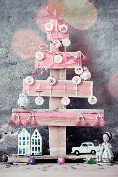 #kids #kerstboom wonen met LEF - specials Kerstboom sloophout, pallethout staand 60x40cm - wonenmetlef.nl