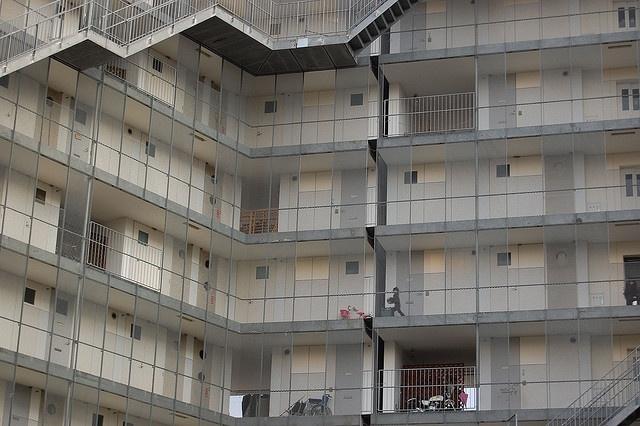 Gifu Kitagata apartment building - SANAA