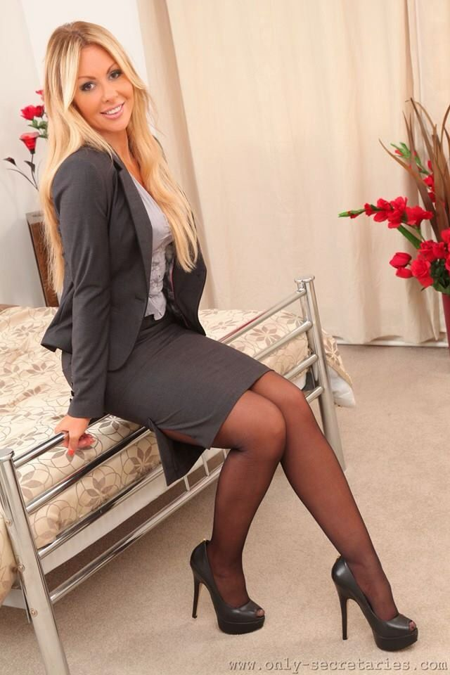 Ladies In Pantyhose From Across 80