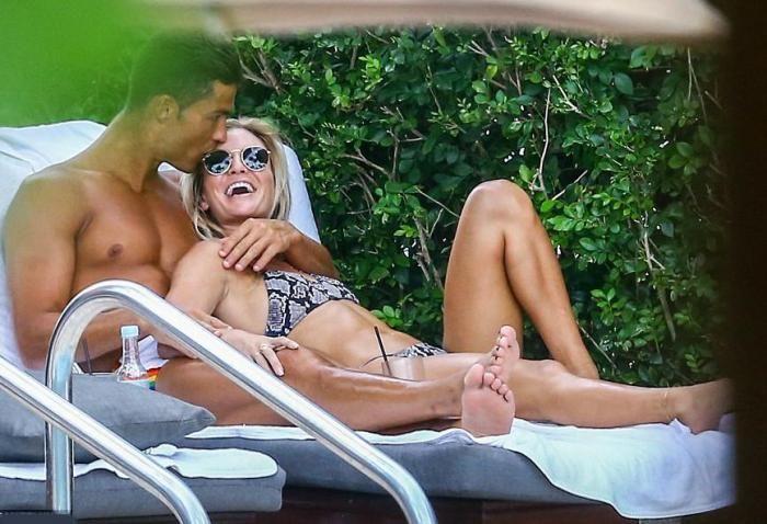 Cristiano Ronaldo: Δείτε τη νέα σέξι καλλονή που του έχει κλέψει τη καρδιά [εικόνες]