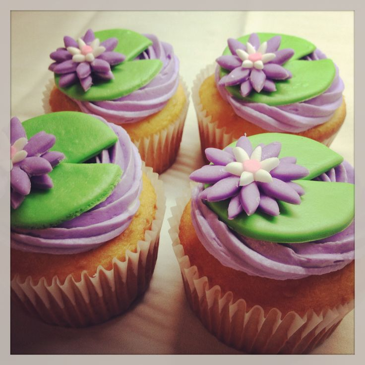 Princess and the frog cupcakes