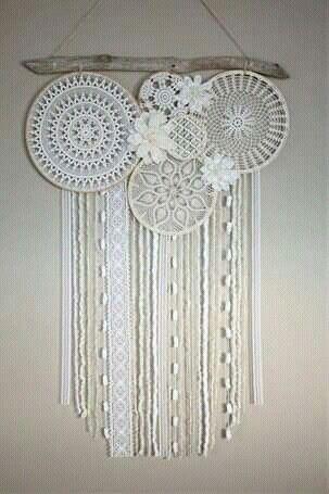 cae07fc99722 With big paper flowers   Kreatív hobbi   Lace dream catchers, Dream ...