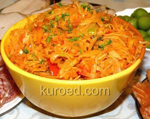 Тушеная капуста с морковью и болгарским перцем